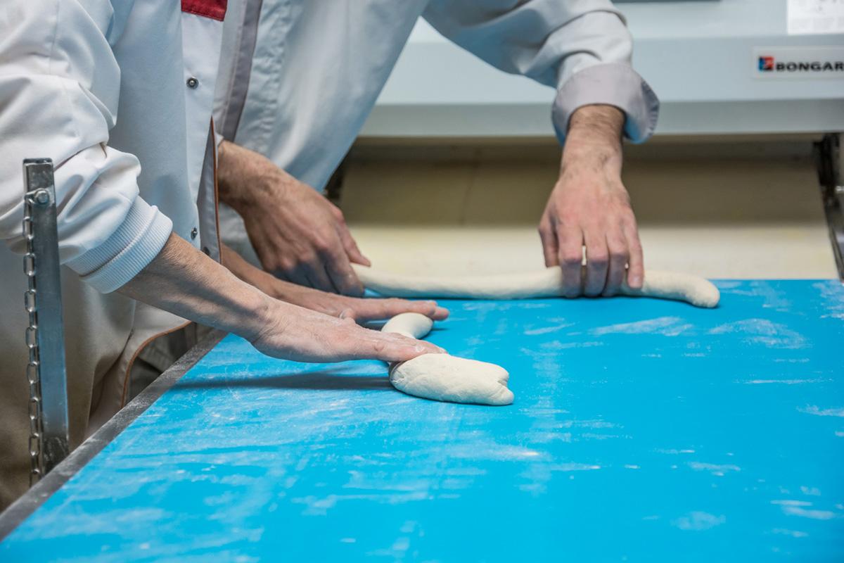 Découvrir le process de façonnage du fabricant de pains et brioches congelés Briogel